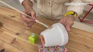 Decorar las macetas con decoupage - Paso 3