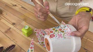 Decorar las macetas con decoupage - Paso 4