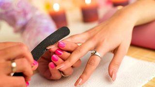 Uñas acrílicas, o cómo lucir una uñas largas y cuidadas - Retocarlas