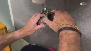cómo cambiar un grifo de lavabo paso10