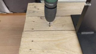 hacer una mesa alta con palets paso 5