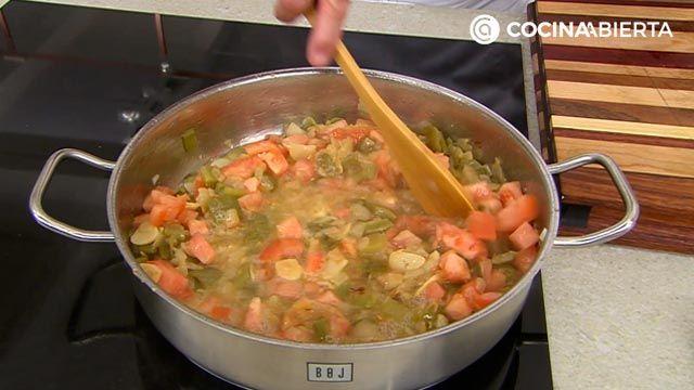 Chipirones en salsa de cebolla con arroz: la receta de la abuela al estilo Karlos Arguiñano - paso 3
