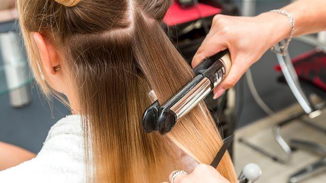 Cómo alisar el cabello en casa con planchas de pelo