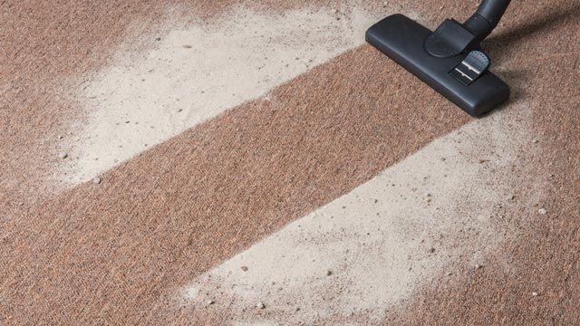 Limpiar y desinfectar alfombras con sal de mesa