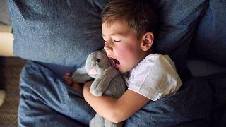 Consejos para el primer día de clase - Niño duerme