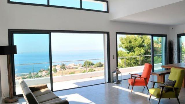 Tipos de puertas para terrazas y balcones: cómo elegir la mejor