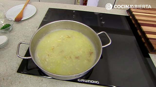 Tortilla de patata guisada en salsa