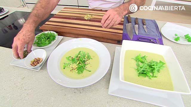 Crema de judías verdes con pipas y pistachos