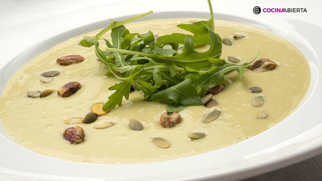 Crema de judías verdes (vainas) con pipas y pistachos