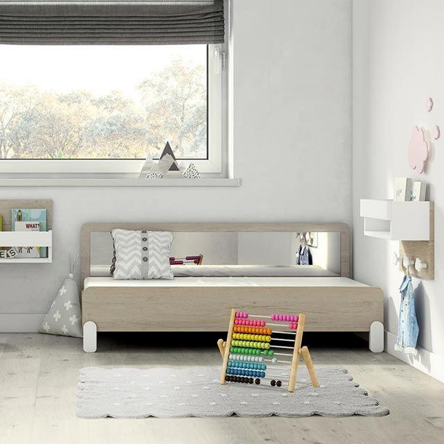 Cama infantil con espejo Montessori