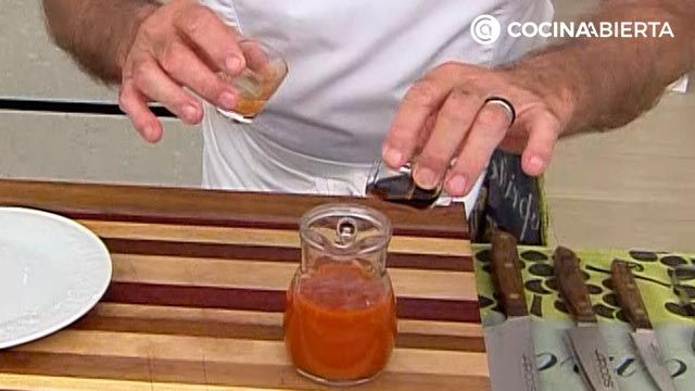 Alitas de pollo crujientes al horno (con albahaca y salsa picante), ¡la receta de Karlos Arguiñano! - paso 4