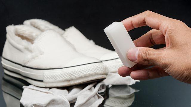 Usos del borrador mágico: blanquea la goma de las zapatillas