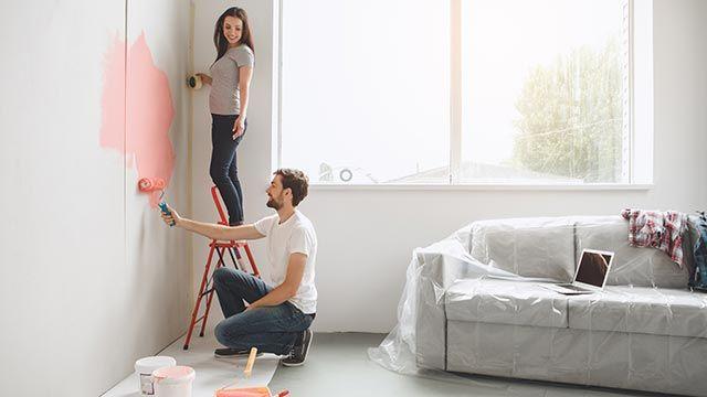 Pintar el salón de colores suaves y relajantes
