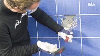 Cómo reparar azulejos paso 3