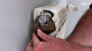 el radiador no calienta paso 6