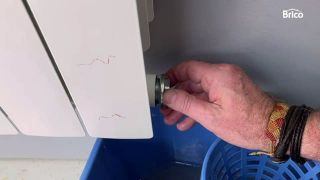 llave de radiador que gotea paso 5