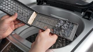 Cómo limpiar el filtro de una lavadora de carga superior