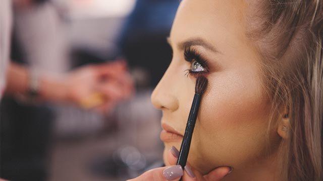 Cómo maquillar ojos encapuchados, paso a paso