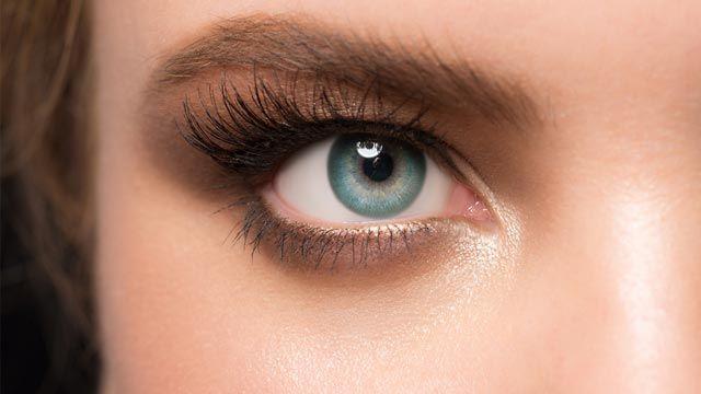 Cómo disimular los ojos encapotados y párpados caídos