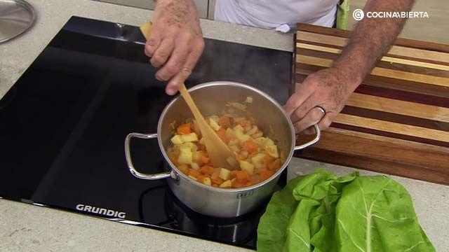 receta sopa de acelgas y calabaza al curry por Karlos Arguiñano - paso 1