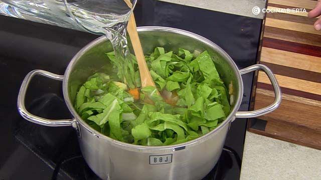 Sopa de acelgas y calabaza al curry por Karlos Arguiñaño - paso 3