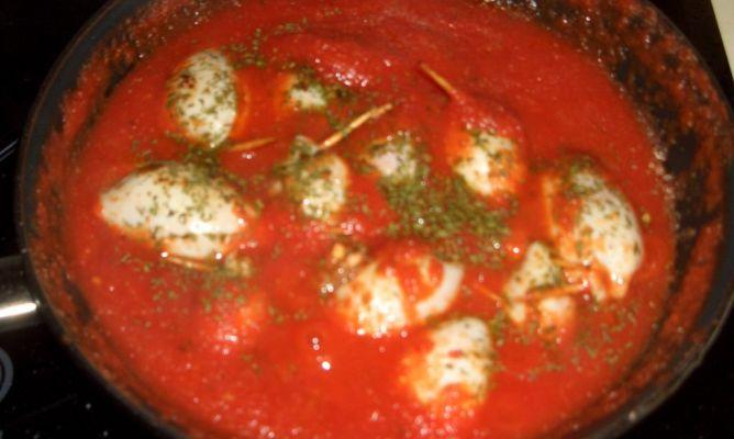 Chipirones rellenos en la comunidad de cocina - Chipirones rellenos en salsa de tomate ...