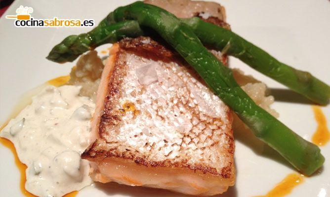 Salmon Con Esparragos Trigueros Salmón al Horno Con Espárragos