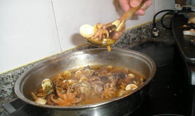 Sopa De Pulpo En La Comunidad De Cocina