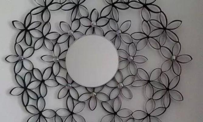 Espejo con flores hechos de rollos de papel higienico en - Rollos de papel higienico decorados ...