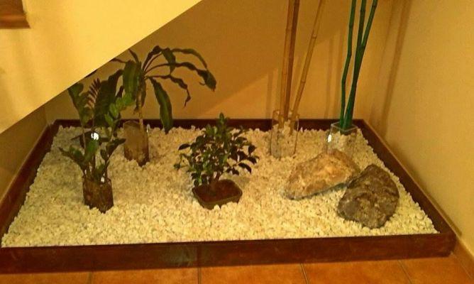Baño Con Jardin Interior:Jardin zen, debajo de la escalera interior en la Comunidad de